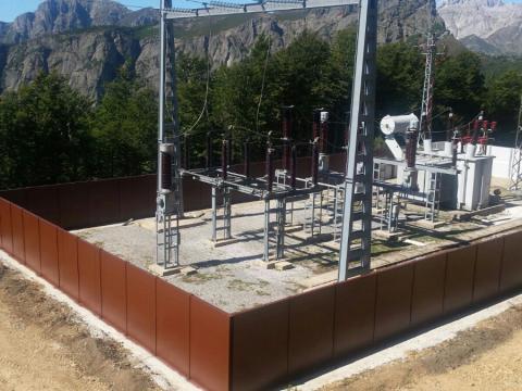 Subestación eléctrica del Puerto de Panderruedas tras los trabajos de apantallamiento acústico